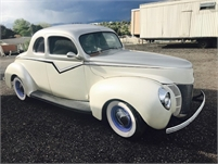 1940 Ford Deluxe 2 Dr  coupe Chevrolet 350 V8