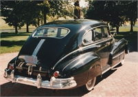 1948 Pontiac Streamliner 4d
