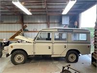 1967 Land Rover 109 4 wheel drive Station Wagon