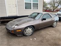 1987 Porsche 928 V/ 8